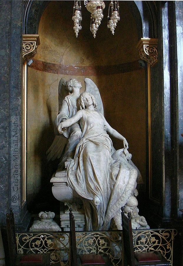 621px-Monumentul_funerar_al_Zoitei_Doamna,_Sculptor_Jules_Roulleau_-_Cod_LMI_B-IV-m-B-20114