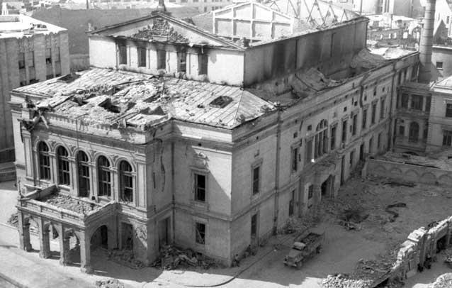 august 1944 Bucuresti Teatrul